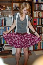 forever 21 t-shirt - Urban Outfitters vest - forever 21 skirt - forever 21 belt