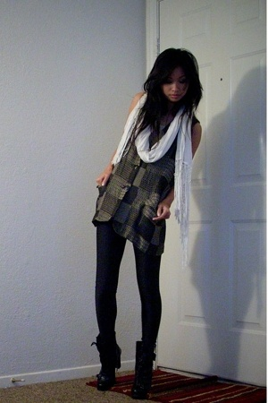 H&M scarf - Old Lady vest - American Apparel leggings - Guess boots