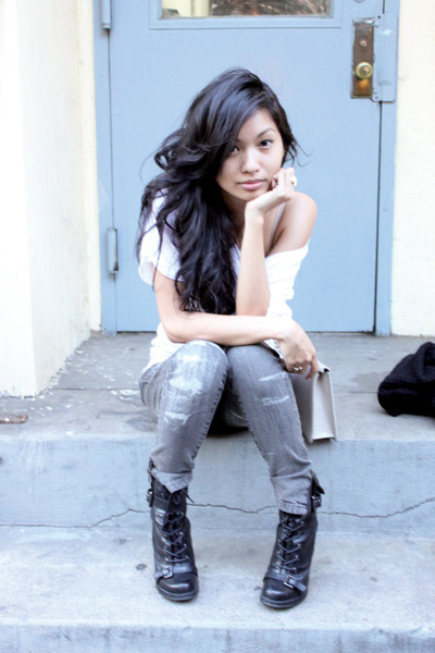gray Blank Denim jeans - black Guess boots - white Eryn Brinie t-shirt
