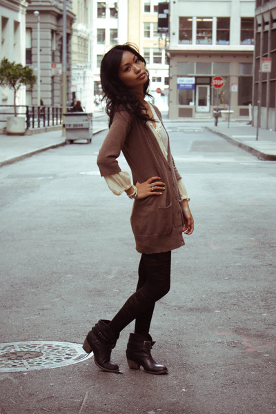 black people images free. brown Gap cardigan - beige free people dress - black Urban Outfitters tights