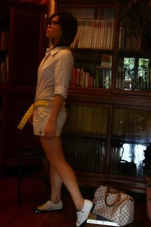 black brogues Melssa Plastic Dreams shoes - blue button down MNG shirt