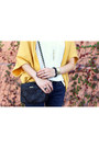 Navy-skinny-current-elliot-jeans-mustard-jyjz-sweater-black-kate-spade-bag