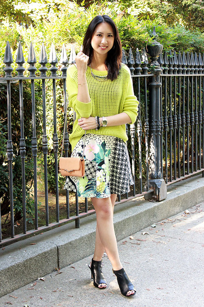 chartreuse Tibi sweater - dark gray checkered Aqua skirt
