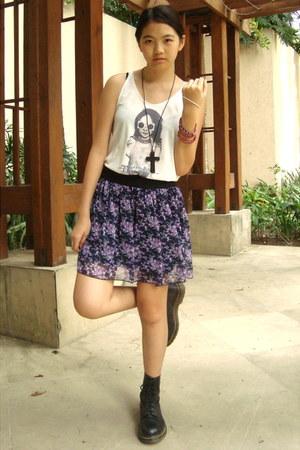 black doc martens boots - white printed shirt - purple floral skirt skirt - blac