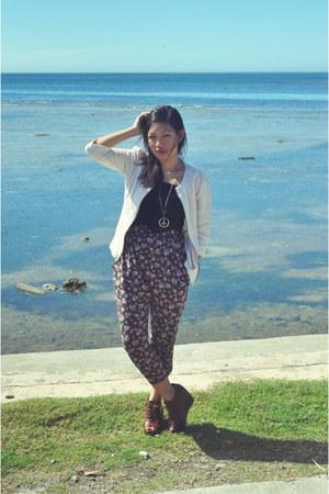 Bayo pants - Bayo jacket - Topshop blouse - chick flick collection wedges