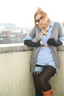 Brown-marshalls-tights-blue-marshalls-shirt-brown-vintage-belt-black-expre