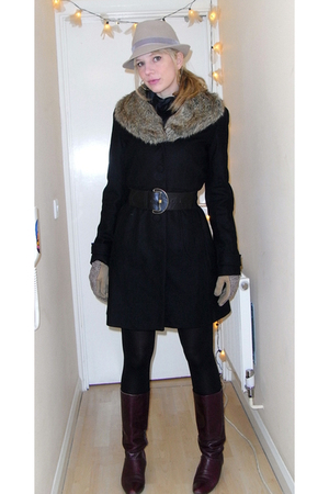beige Reiss hat - black Lipsy coat - red boots