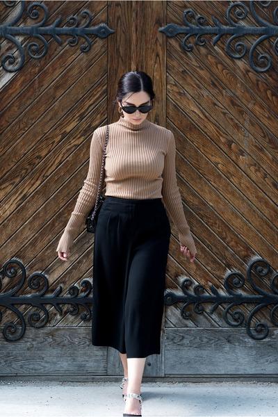 camel H&M sweater
