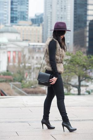 light brown The Shopping Bag vest