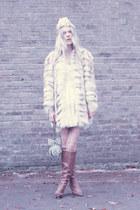 off white vintage coat - peach OH NENA hat - Mary Frances bag