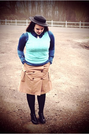 black Forever 21 hat - sky blue thrfited vest - camel Gap skirt - blue Tulle blo