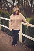 navy Gap jeans - tawny vintage hat - tan Ross sweater - brown thrifted heels