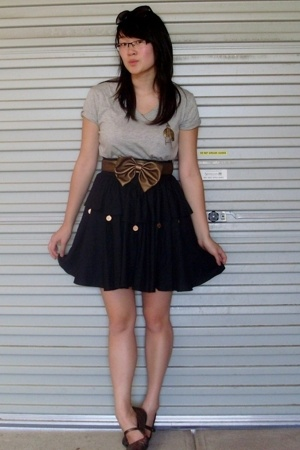 cotton on t-shirt - skirt - supre belt - Hush Puppies shoes - diva accessories