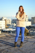 beige cable knit Urban Outfitters sweater - blue rag & bone jeans