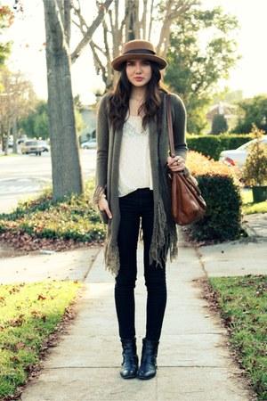 black vintage boots - black sold design lab jeans - camel vintage hat - eggshell