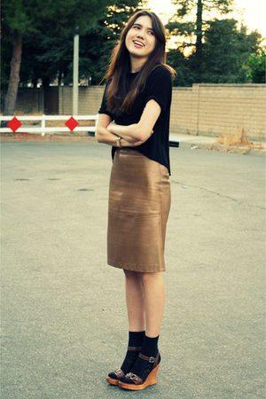 brown MaxMara skirt - black city of dolls top - black vintage socks - brown bana
