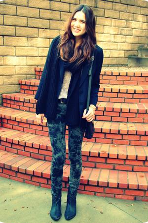 black Giorgio Armani blazer - beige H&M top - black H&M scarf - black Forever 21