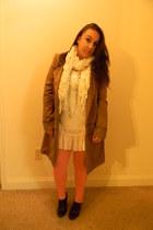ivory scarf - ivory dress - brown coat - peach tights - dark brown heels
