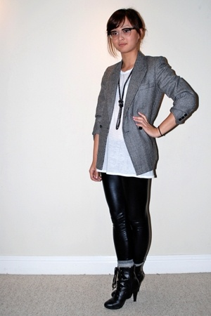 gray boxy vintage blazer - black laceup Payless shoes