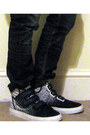 Black-comme-des-garcons-homme-blazer-white-david-lindwall-t-shirt-black-comm