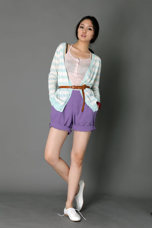 jane & daisy cardigan - Tomo shorts - syndrome top - soyou shoes