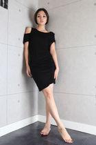 black Tomo dress