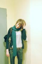 Mango scarf - American Apparel t-shirt - Fornarina belt - Fornarina jeans - vint