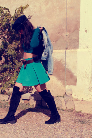 Zara boots - H&M hat - lefties top - coramelo de coco skirt