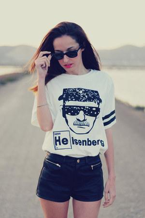 white t-shirt choiescom t-shirt - black leather shorts Forever21 shorts