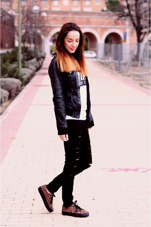 black Stradivarius jeans - black Stradivarius jacket - white Primark t-shirt