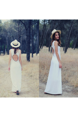 white evitaloquepuedas dress