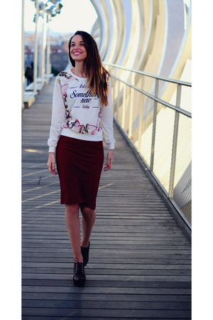 off white Choies sweater - crimson Choies skirt