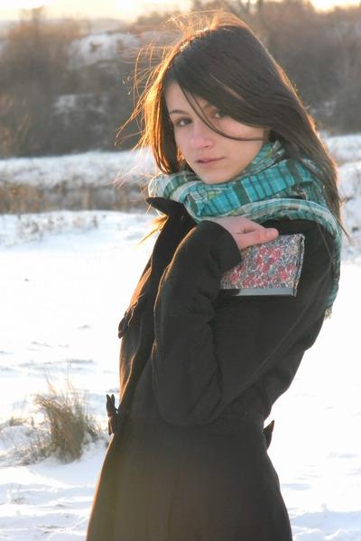 Orsay coat - BERSKA scarf