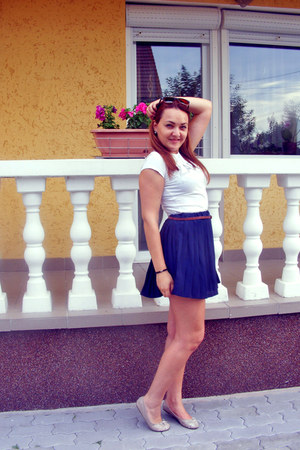 navy SH skirt - white Zara t-shirt