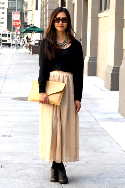 nude romwe skirt - camel romwe purse - black Kimchi Blue heels