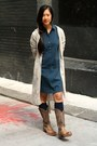 Tan-cowboy-ariat-boots-navy-theory-dress-navy-gogosocks-socks