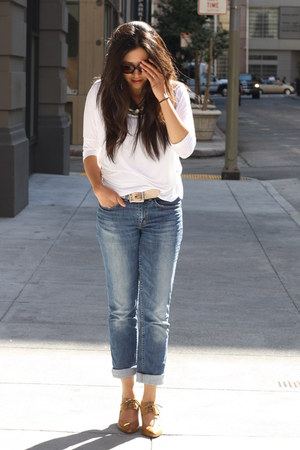 blue H&amp;M jeans - white American Apparel top - bronze Aldo heels