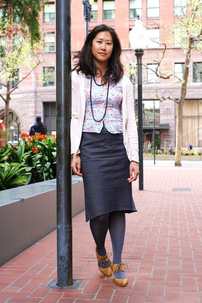 pink JCrew cardigan - gray BCBG skirt - beige Aldo shoes - gray H&M tights - blu