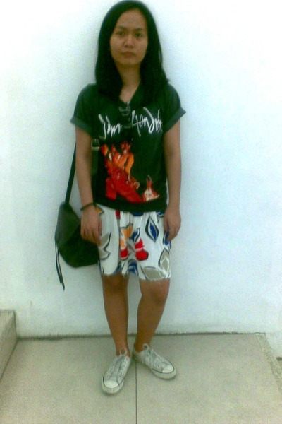 beige Converse shoes - black vintage shirt - white vintage skirt - black thrifte