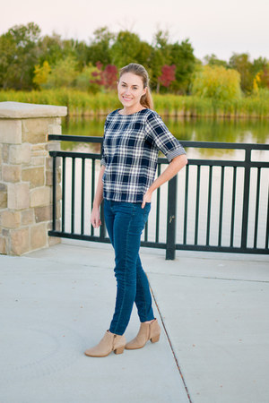 navy plaid madewell top - tan Earth boots - navy madewell jeans