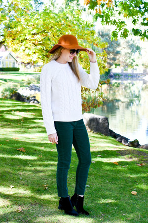 ivory Amour Vert sweater - black Earthies boots - tawny Phase 3 hat