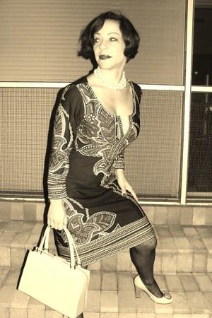 Brazilian shoes - vintage dress - H&M tights - vintage bag - grandsma vintage ea