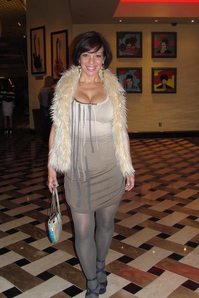 StAugustine boutique dress - H&M tights - vintage bag - Jessica Simpson heels -