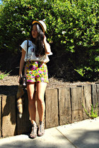 floral shorts Forever 21 shorts - fox tail thrifted accessories