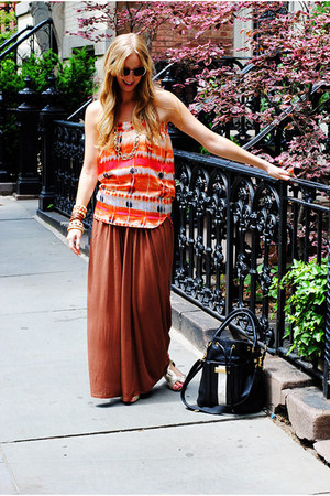 orange top - burnt orange pants - tan sandals