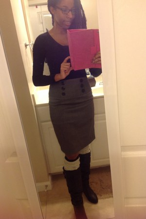 cotton thrifted skirt - leather boots - Steve Madden boots