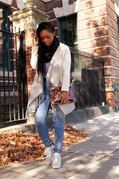 blue high waisted Cheap Monday jeans - beige draped cardigan BB Dakota jacket