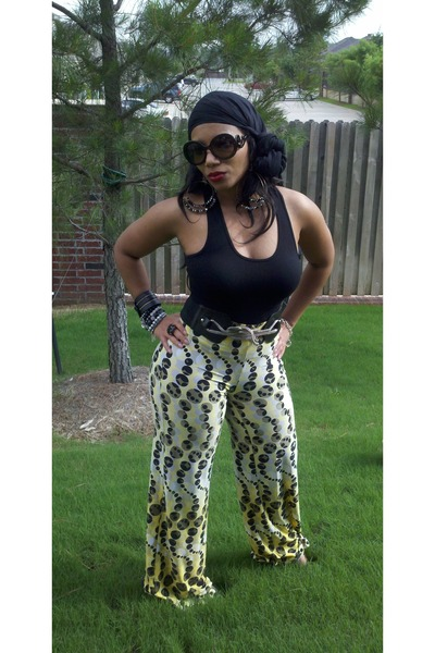 printed pants Kelly& Diane pants - old scarf - baroque round Prada sunglasses