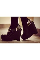 studded tokyo wedges