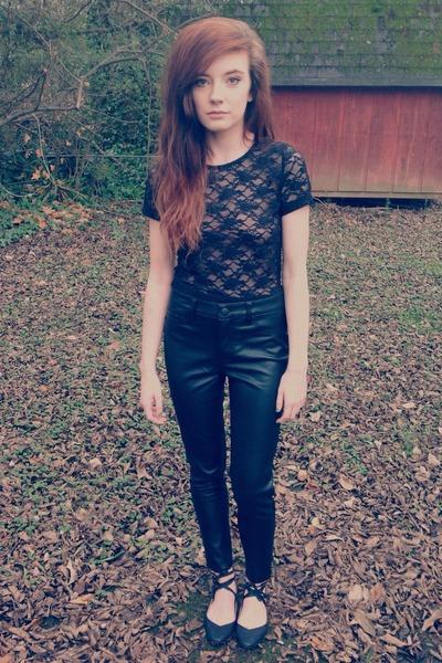 black Kimchi flats - black Forever 21 pants - black lace crop Forever 21 top